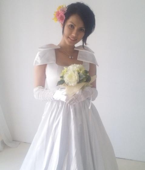 maria-ozawa-wedding-dress-small.jpg